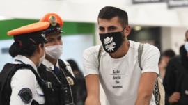 Ni cierre de fronteras aéreas ni cuarentenas obligatorias: por qué México y Nicaragua son los países de América Latina con menos medidas restrictivas frente al coronavirus
