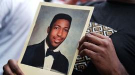 12 muertes violentas de afroestadounidenses que provocaron olas de indignación en EE.UU. antes que la de George Floyd