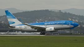 ¿Cómo un hombre pudo estafar a Aerolíneas Argentinas y viajar gratis por 4 años sin que la empresa se diera cuenta?