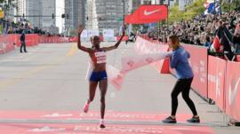 La controvertida tecnología detrás de las zapatillas Nike Vaporfly para correr maratones