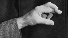 العبادة في زمن الكورونا: لماذا لا يصدّق المؤمنون أنّهم عرضة للعدوى؟