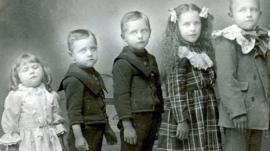 Memento mori: la inquietante costumbre de fotografiar a los seres queridos tras su muerte