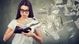 El sencillo truco que usan las empresas para que compres el producto más caro