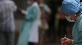 'Estamos apavorados': o drama de médicos na linha de frente do atendimento ao coronavírus no Brasil