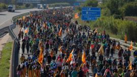 Qué se sabe de Tsunami Democràtic, el misterioso movimiento detrás de las masivas protestas en Cataluña