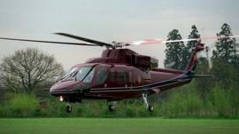Cómo es el helicóptero Sikorsky S-76 en el que se estrelló la leyenda de la NBA Kobe Bryant