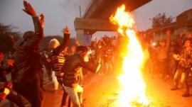 A lei de imigração que despertou protestos violentos de muçulmanos na Índia