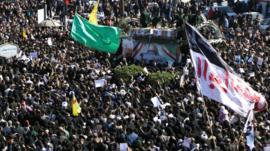 Em funeral de Soleimani, Irã reforça status de herói e mártir de general morto pelos EUA