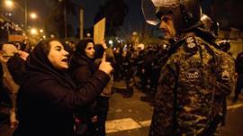 13 minutos que estremecieron a Irán: cómo se vive dentro del país su peor crisis en 30 años