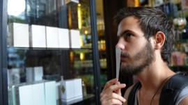 Ni para él, ni para ella: cómo los millennials están transformando la industria de los perfumes