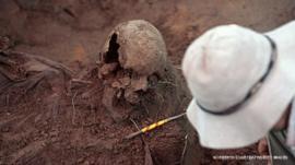 DNA pode revelar mistério de crânios encontrados em casa de Stroessner no Paraguai
