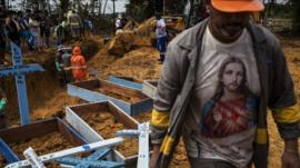 Manaos, la ciudad azotada por el coronavirus que cava fosas comunes y reclama ayuda