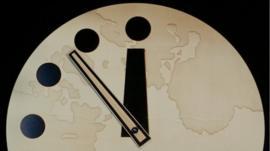 Qué es el Reloj del Apocalipsis y por qué marca que desde 1953 no estábamos tan cerca de una catástrofe global