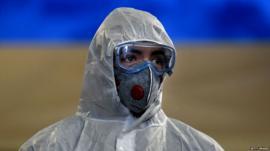कोरोना वायरस: दुनिया में कर्फ़्यू पर ...