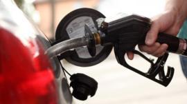 Cuánto se paga por la gasolina en América Latina y qué tanto aumentó en Ecuador con la eliminación del subsidio