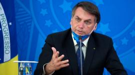 Cómo Bolsonaro se la juega al seguir negando la gravedad de la pandemia de coronavirus