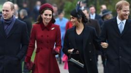Por qué la familia real británica está