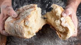 Cómo aprovechar el pan viejo (y no solo haciendo tostadas o pan rallado)