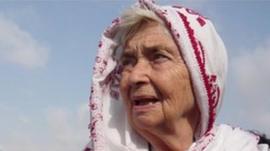 mother teresa the nun who became a saint   bbc news pakistans mother teresa dies aged