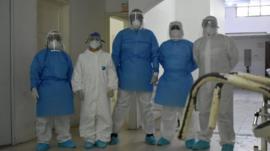 Los médicos que se negaron a atender a pacientes con coronavirus (y lo que su caso muestra de la precaria situación de muchos sanitarios en América Latina)