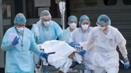 El mundo supera el millón de casos confirmados de coronavirus y más de 50.000 muertes
