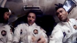 Las imágenes inéditas de cómo sobrevivieron los astronautas del Apollo 13 a su odisea en el espacio hace 50 años