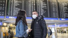 Por qué es tan polémica la medida de Trump de restringir viajes de Europa a EE.UU. por el coronavirus