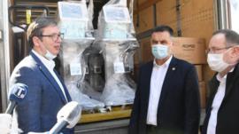 Na pitanje sa koliko respiratora Srbija tačno raspolaže, javnost trenutno nema precizan odgovor.