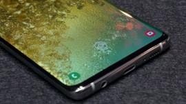 La falla por la que la huella digital de cualquier persona puede desbloquear el Samsung Galaxy S10