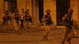 El debate sobre quiénes son los responsables de la explosión en Beirut, en medio de las protestas y el hartazgo contra las autoridades