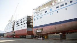 La razón por la que algunas compañías de cruceros están partiendo sus buques por la mitad