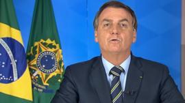 Bolsonaro critica las medidas de confinamiento y compara el coronavirus con un