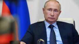 Putin asegura que Rusia tiene la primera vacuna aprobada contra el coronavirus