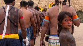 Índios se aliam a antigos inimigos contra planos de Bolsonaro na Amazônia