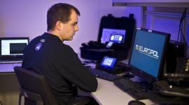 Por qué la tecnología 5G hará más difícil perseguir a los criminales, según la policía