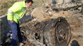 Qué se sabe del accidente de Ukraine International en Irán que dejó 176 muertos y numerosas interrogantes