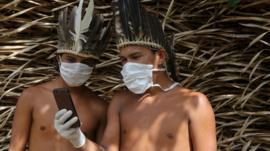 El peligro de que el río Amazonas se convierta en la gran ruta de contagio del coronavirus en Sudamérica