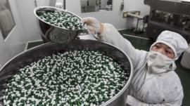 Cuánto depende el mundo de los medicamentos que produce China (y qué riesgos implica en plena crisis del coronavirus)