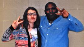 La joven británica que lleva una década mandándose cartas con un preso en el corredor de la muerte