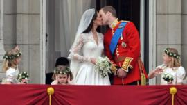 Kate and William kiss on balcony
