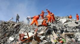 Earthquake scene