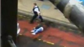 Police 'abandoned woman in bus lane'