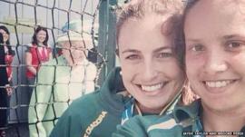 Queen photobombs a selfie