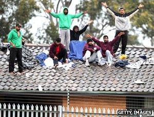 Asylum seekers' rooftop protest, Sydney detention centre, 2010