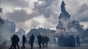 Paris'te polis.