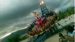 Luna Park de Guatire - Edo. Miranda - Venezuela - justo antes de comenzar una tormenta.