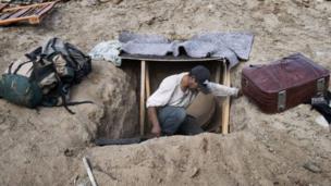 ग्वाटेमाला और होंडुरास से अमरीका में घुसने की फ़िराक में लगे लोग