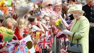 Queen and crowd in Windsor