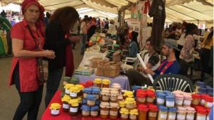 """Le """"Dakar Farmers Market"""", un rendez-vous multiculturel."""