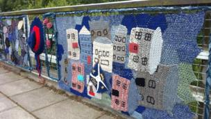 Yarn bomb on a bridge
